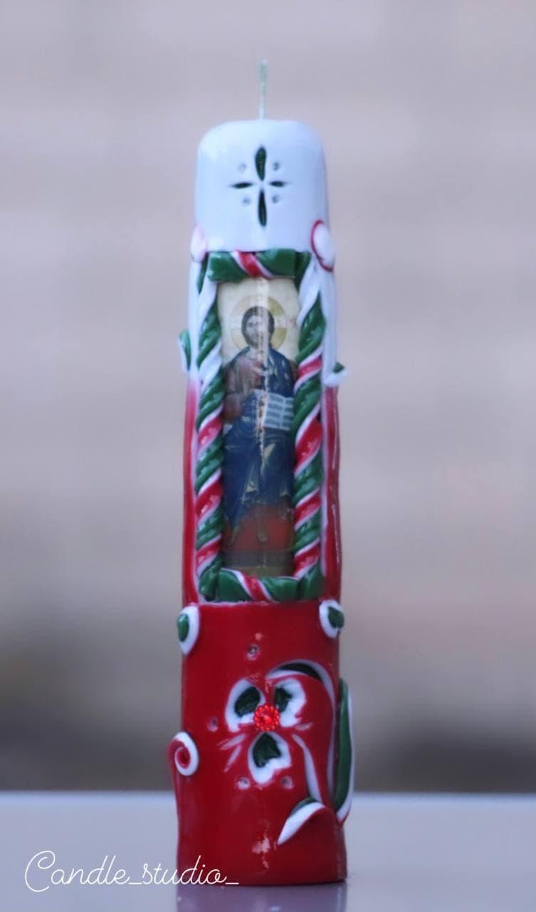 Подарункова свічка ручної роботи.Різьблена свічка У5, виготовлена вручну з високоякісного харчового парафіну П-2 у студії Марії Герасимлюк. Червоний, зелений, жовтий, білий, фіолетовий, рожевий, синій, коричневий та інші кольори